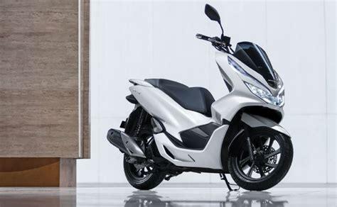Honda Pcx 150 Lokal Vs Cbu, Apa Saja Kelebihannya?