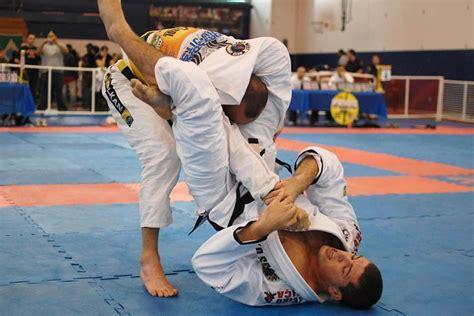 improve  triangle chokes   grips bjj fanatics
