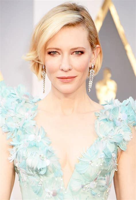 Cate Blanchett Debuts Bob Haircut on Oscars 2016 Red
