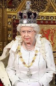 Queen Elizabeth hosts Diamond Jubilee lunch|Celebrities ...
