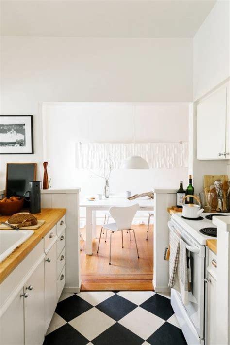 plancher bois cuisine le carrelage damier noir et blanc en 78 photos archzine fr