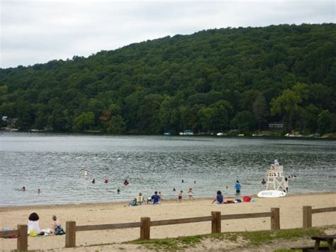 Public Boat Launch Ct by The Best Of Candlewood Lake Danbury S Year Round