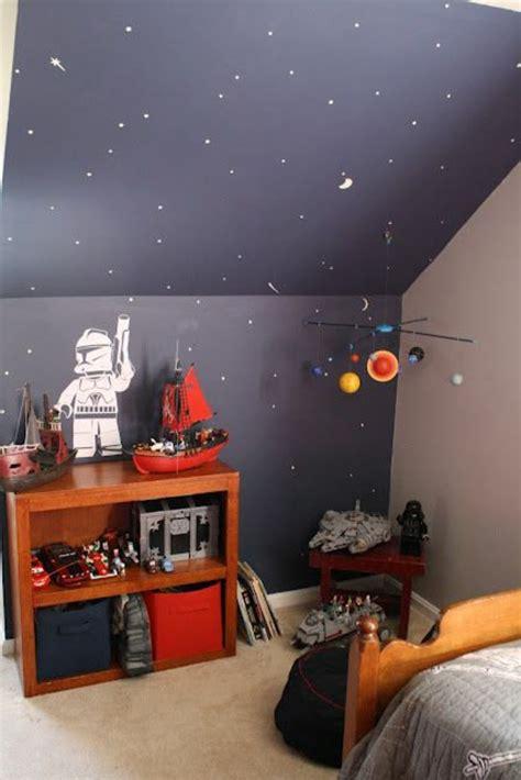 peindre les murs d une chambre comment peindre une chambre sous pente solutions pour la