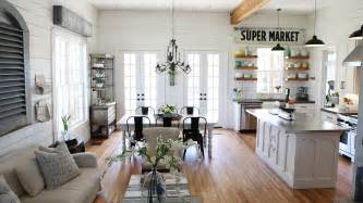 Ethan Allen Dining Room Sets Used by Chip And Joanna Gaines Fixer Upper Home Tour In Waco