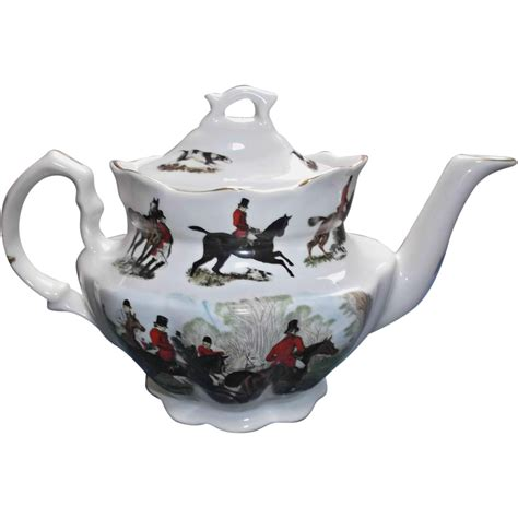 vintage english fox hunt teapot  crownford giftware