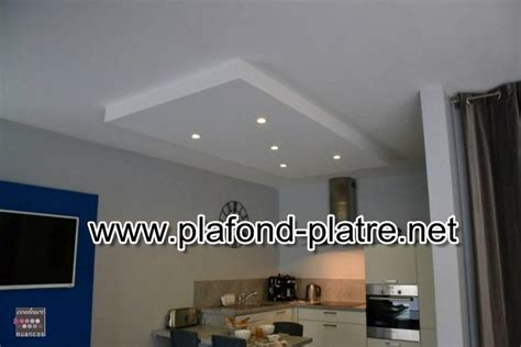 plafond suspendu cuisine cuisine faux plafond maison travaux