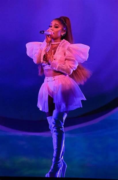 Ariana Grande Sweetener Tour Fappening London Performs