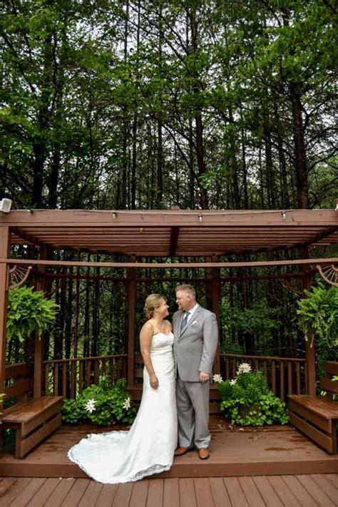 outdoor wedding venues  north georgia queens deck