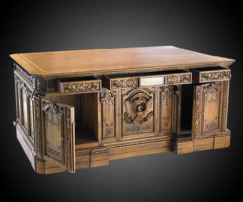 Resolute Desk Replica Plans by American President S Resolute Desk Replica Dudeiwantthat