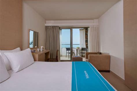 Cool Room  The Island Hotel