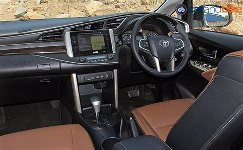 comparison review toyota innova crysta  renault lodgy
