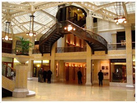 Chapter 21  Chicago School  Interior Design  Main Lobby