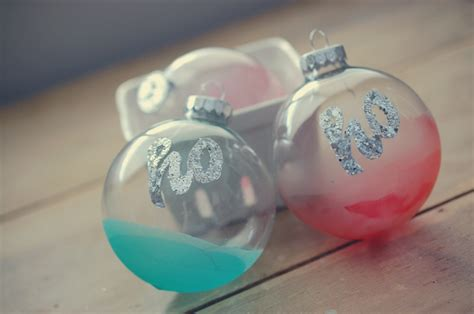 cool ornaments to make 23 cool diy christmas tree decorations to make with kids kidsomania