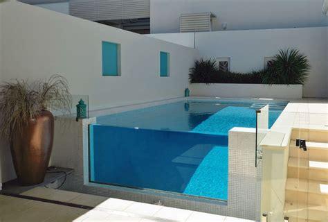 plungecourtyard pools