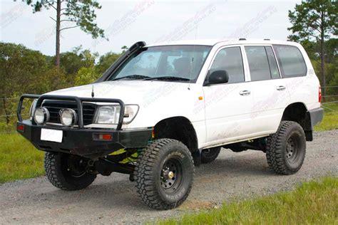 Toyota Land Cruiser 100 Series by Toyota Landcruiser 100 Series Wagon White 66325 Superior