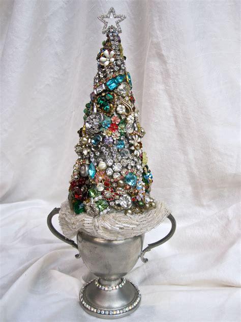 vintage jewelry rhinestone christmas tree decorated
