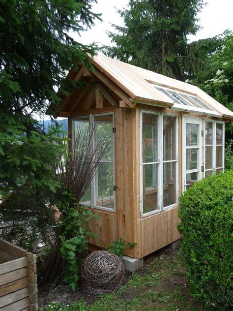 Gewächshaus Aus Fenstern by Greenhouse Tomatenhaus Aus L 228 Rche Und Alten Fenstern Und
