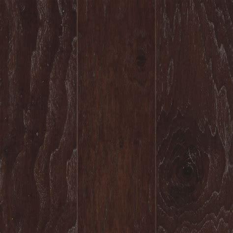 pergo hardwood floor shop pergo hickory hardwood flooring sle homestead at lowes com