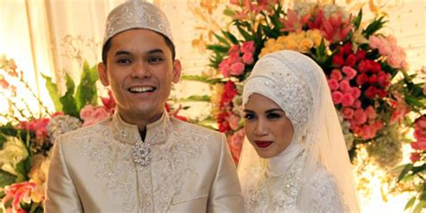 foto resepsi pernikahan ben kasyafani ines pakai adat
