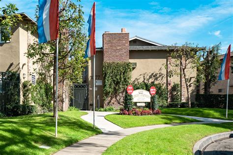 Check availability, see floorplans, and sort by price and amenities. Studio And 1 Bedroom Apartments For Rent Near Me - Houses ...