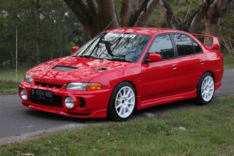 Lancer Evo 4 Modifikasi modifikasi mitsubishi lancer evo 4 glx rela import spare