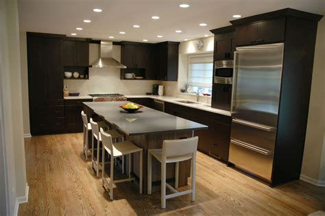 remodeling  small traditional kitchen   modern design