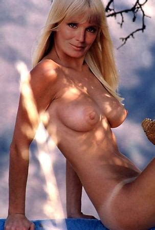 Linda Evans  nackt