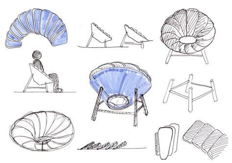 Quetzal Chair Features Bi-color Pillows To Create