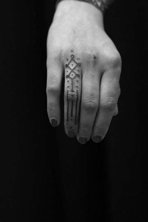 79 Most Exquisite Finger Tattoos Design - Mens Craze