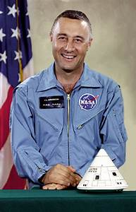 Astronaut Official Uniform - Pics about space
