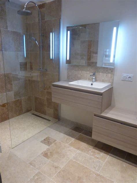 cuisine travertin rénovation d une salle de bains w c en travertin sur