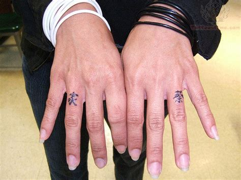 finger tattoo images designs
