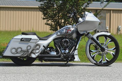 Modification Harley Davidson Road Glide by 2010 Harley Davidson Fltrx Road Glide Custom Pic 20