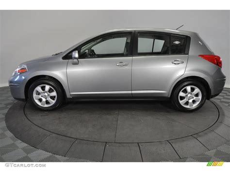 grey nissan versa magnetic gray 2009 nissan versa 1 8 sl hatchback exterior