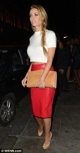 How to Wear a Red Skirt 2018   FashionGum.com