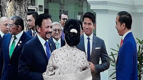 sosok memikat pangeran abdul mateen anak sultan brunei tamu pelantikan presiden  curi