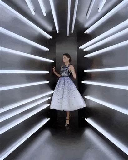 Met Gala Vogue Tunnel Booth Futuristic Pose