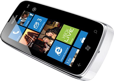 review nokia lumia 610 windows phone canadian reviewer reviews news and opinion with a