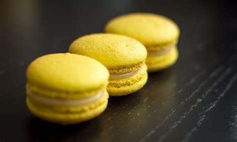 macaron hervé cuisine macarons au citron sucre d 39 orge et d 39 epices