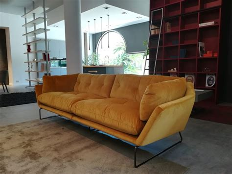 Un Divano A New York - divano new york suite saba salotti a prezzo ribassato
