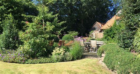 Schöne Hausgärten