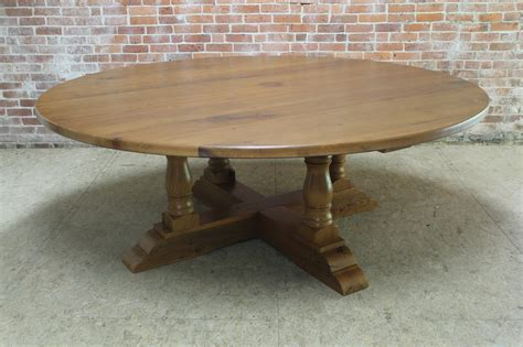 Round dining room tables with leaf