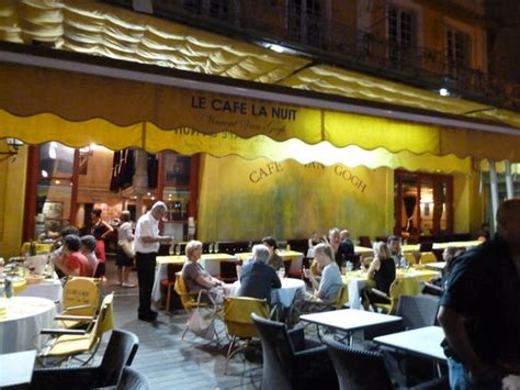 cuisine proven軋le photos le cafe la nuit arles restaurant reviews photos tripadvisor