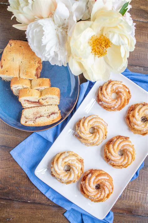 Raspberry cream cheese coffee cake. Raspberry Cream Cheese Coffee Cake - thekittchen