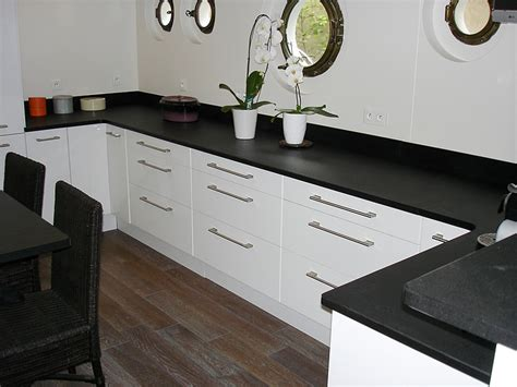 id馥s cuisine ikea granits déco plan de travail en granit noir finition brossée