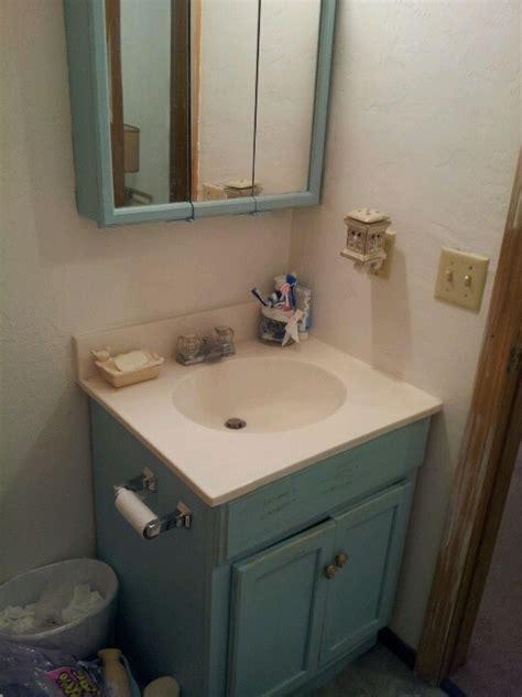 revamp  bathroom vanity  apartment bathroom decor
