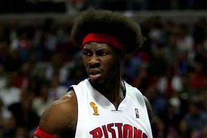 Pistons To Wear Specialty Socks For Ben Wallace Jersey