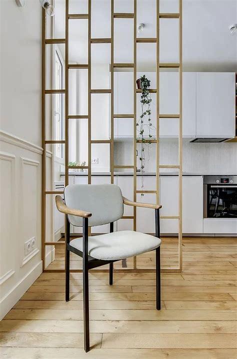 delimiter  espace avec des tasseaux de bois verticaux