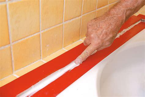 enlever vieux joint silicone finest comment enlever silicone salle de bain lot de carrelage a