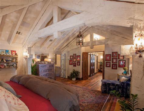 cuisine dans placard maison rustique à l intérieur en bois et ambiance bien